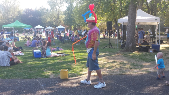 The Bubble Guy at Southeast Neighbors Picnic & Festival 2014